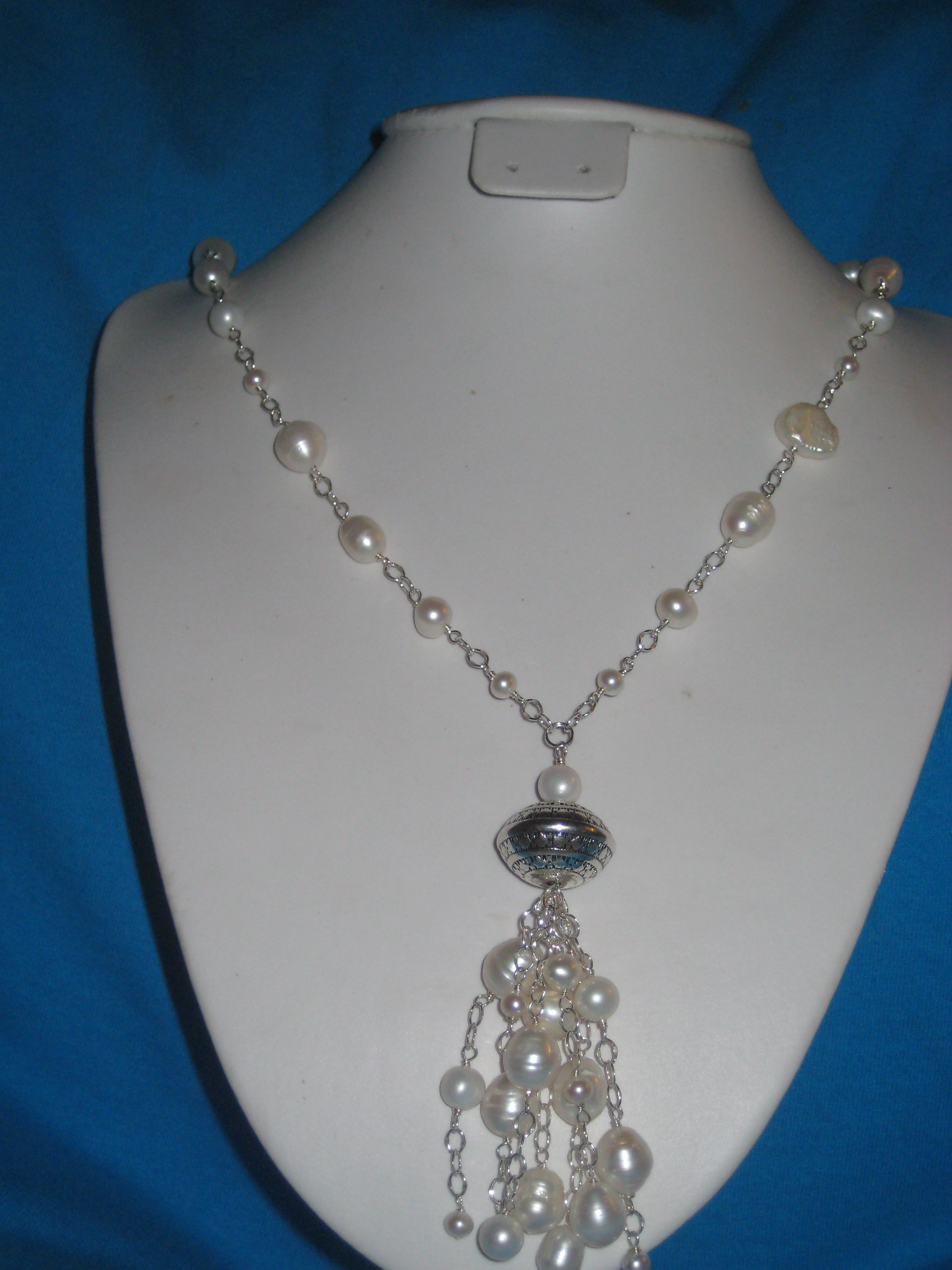 Truly beautiful pearl drop necklace